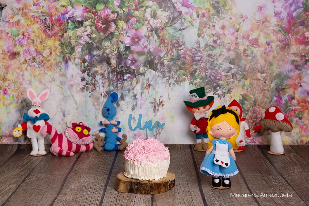 Smash cake tematica Alicia en el pais de la maravillas